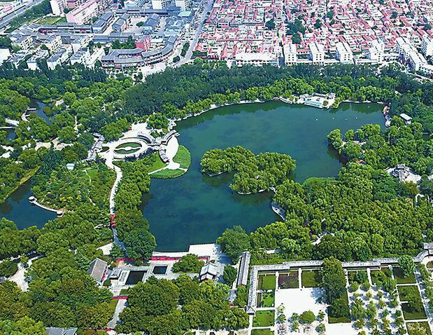 按照现代化山水园林城市的定位,章丘将打造成公园里的城市.